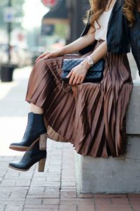 This metallic chocolate colored skirt is TOTALLY COOL! It looks so sophisticated!