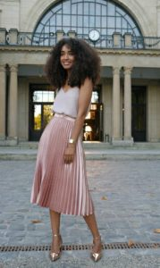 This metallic pink pleated skirt is to die for! Gorgeous!