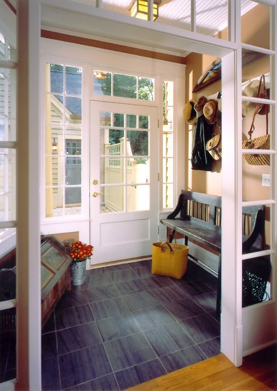 Enclosed Farmhouse Style Mudroom Idea