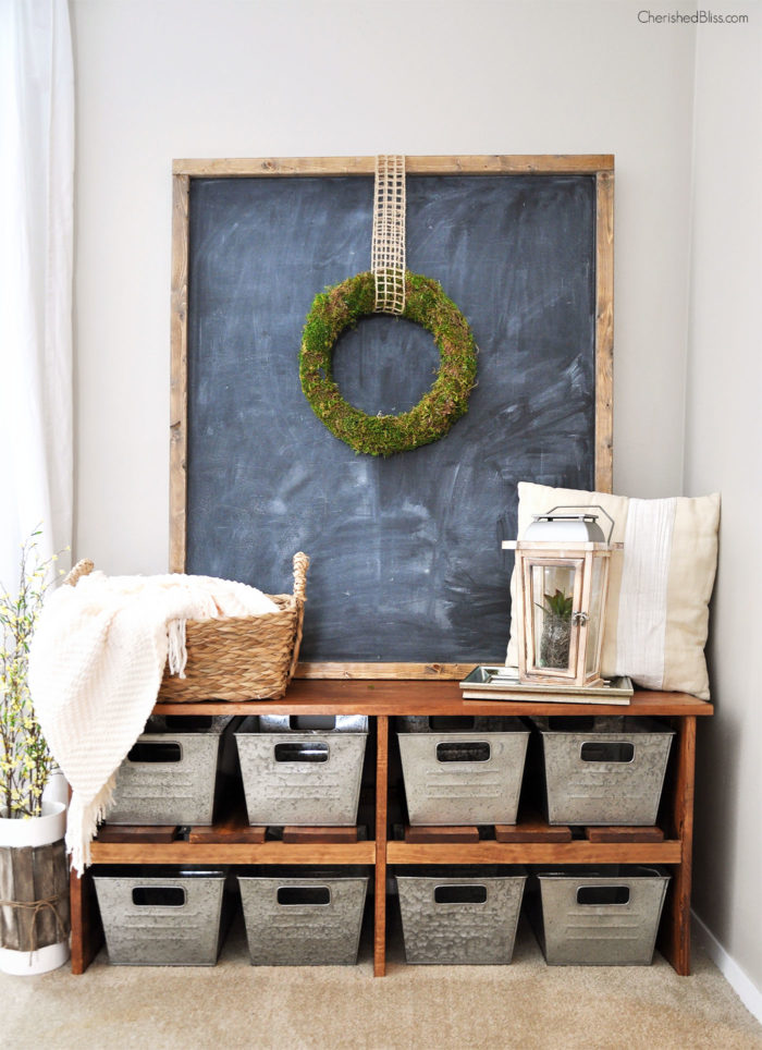 Farmhouse Mudroom Bench DIY Idea