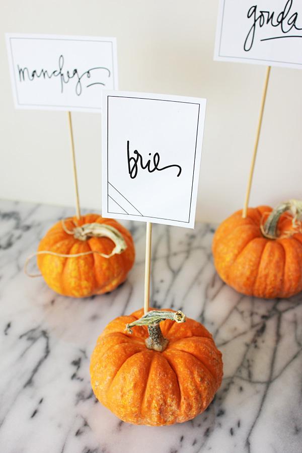 Place Marker Pumpkins DIY for Fall Weddings