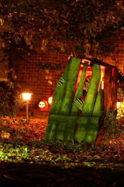 Skeleton Breaking out of Coffin DIY Halloween Decor