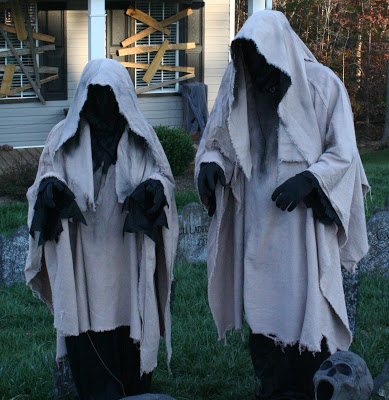 Creepy Halloween Ghost Decor for Your Front Lawn