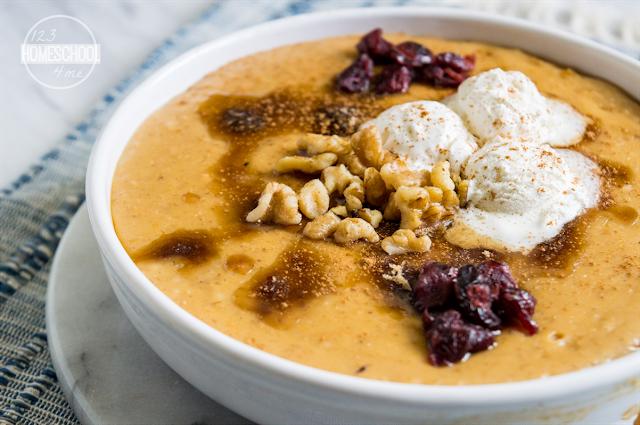 Crock Pot Pumpkin Overnight Oatmeal Recipe for Fall